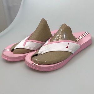 Nike Celso thongs pink size 9 (310896-161)